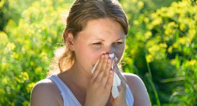 Врачи назвали способы уберечь себя от аллергии в сезон цветения