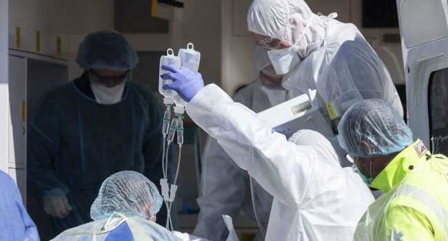 В Мариуполе пациент заразил почти 20 медиков коронавирусом