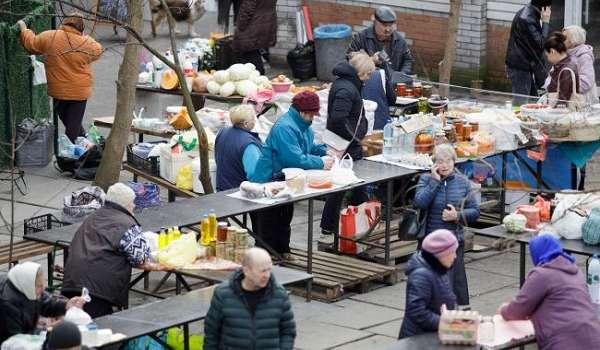 В охваченных коронавирусом Черновцах возобновляется работа рынков
