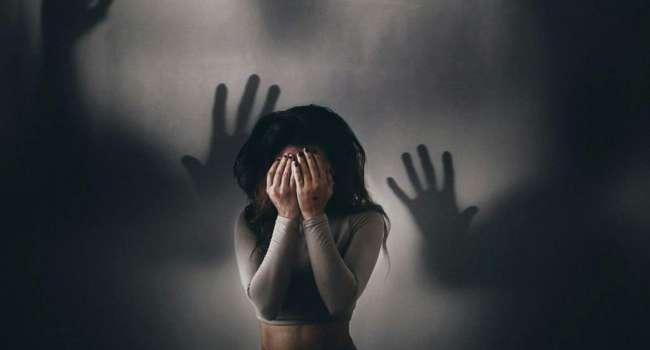 Психологи назвали способы, как побороть страхи