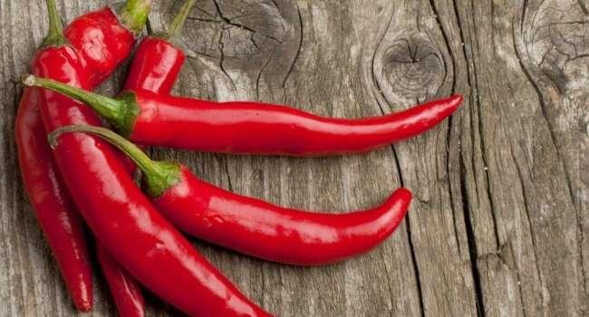 Снижается риск развития многих болезней: ученые назвали уникальные свойства перца чили