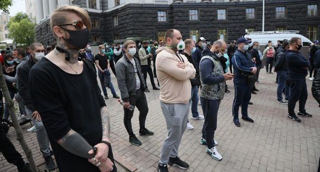 Казанский: скоро начнутся акции протеста по всей Украине, угрозы Зеленского или Авакова не спасут ситуацию