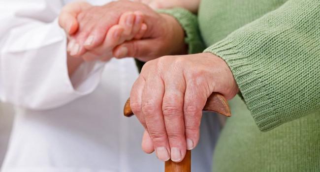 Депрессия, тревога и бессонница: ученые назвали первые симптомы болезни Паркинсона