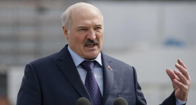 «Нас не поймут»: Лукашенко объяснил, почему не может отменить парад Победы