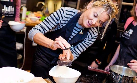 Юлия Высоцкая рассказала и показала, как приготовить легкий и вкусный десерт