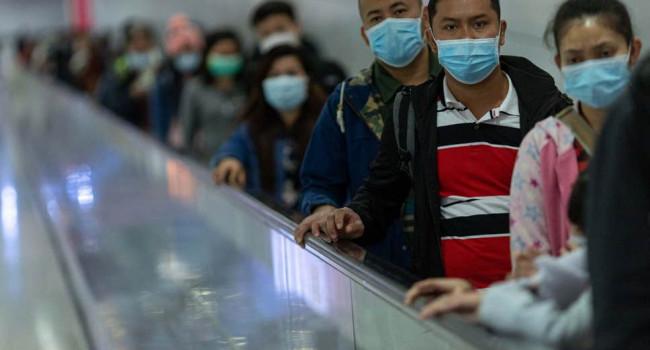 Разлетаются на 4 метра: ученые сделали новое заявление о коронавирусе