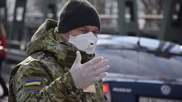 «Хомчак прощелкал вспышку»: волонтер прокомментировал ситуацию с коронавирусом в ВСУ