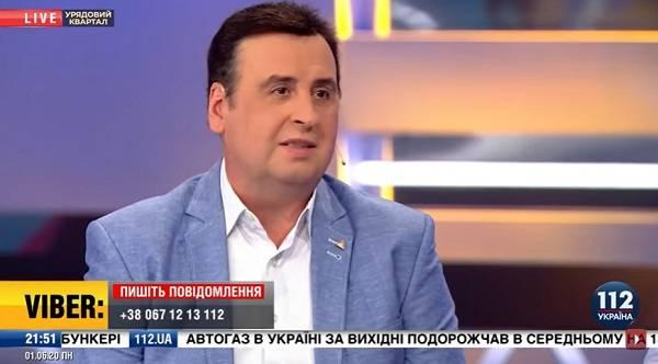 «Фашисты не запрещали разговаривать на русском»: известный юморист приравнял к преступлению введение языковых квот thumbnail