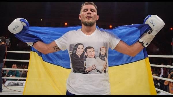 «Открываешь карту, а там триколор»: украинский боксер неоднозначно высказался о Крыме