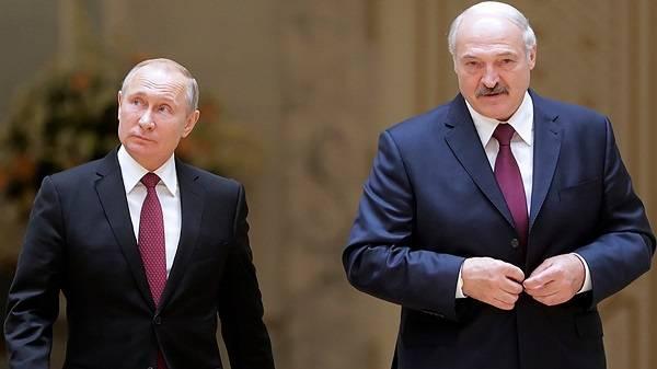 Лукашенко показательно проигнорировал Путина на параде Победы в Москве