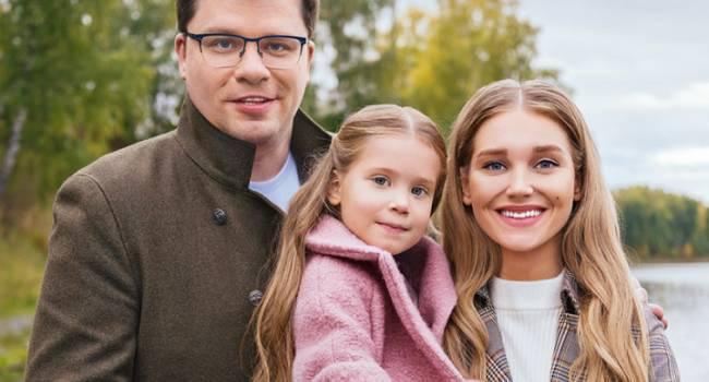 Comment Out: стали известны новые интригующие подробности о разводе Харламова и Асмус, все было розыгрышем