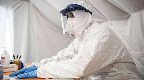 Минздрав по-прежнему отказывается покупать отечественные защитные костюмы для врачей