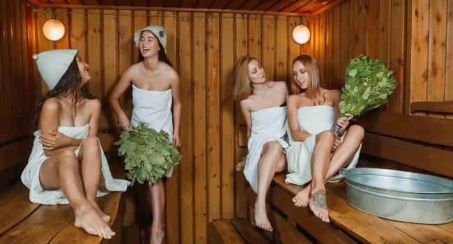Самая полезная привычка: медики объяснили, зачем нужно ходить в баню