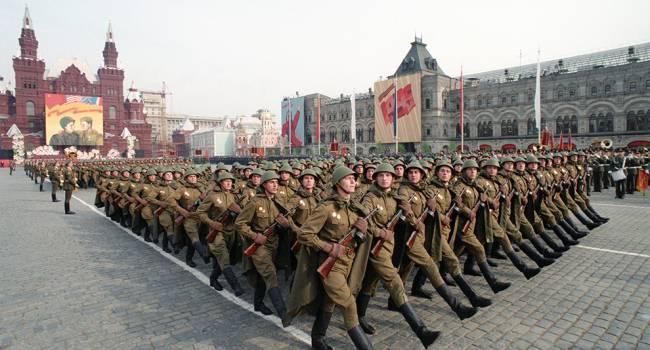 Приедут далеко не все: Песков рассказал, как в России пройдет парад Победы