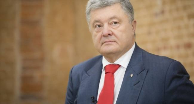 Аналитик: несмотря на политические преследования Порошенко продолжает обеспечивать медиков всем необходимым