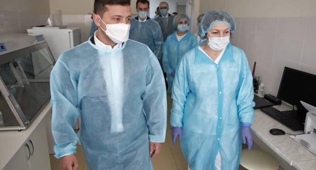 Президент Зеленский посетил лабораторию, где проводятся исследования на COVID-19