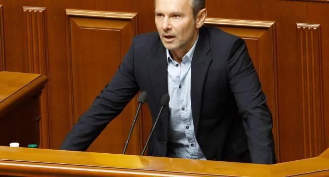 Вакарчук не подписался за отставку Авакова и Степанова, но в «Голосе» все равно виноватыми делают нардепов «ЕС»