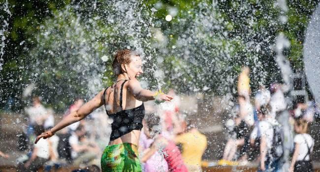 Первая летняя жара: синоптики рассказали о погоде на Троицу