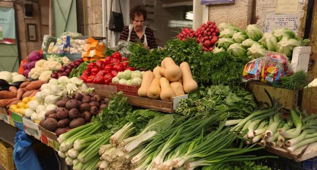 «Ходите на рынок, а не в аптеку»: доктор рассказал, где нужно брать витамины
