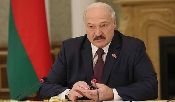 Научились справляться с этой проблемой: Лукашенко похвастался, что не ввел в Беларуси карантин