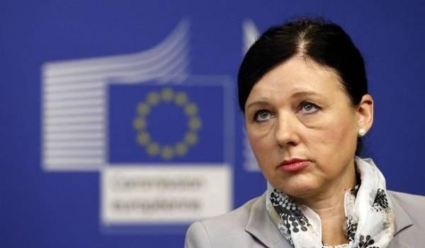 Еврокомиссия назвала двух главных дезинформаторов о пандемии коронавируса