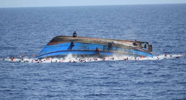 «Около 50 человек погибли»: У берегов Туниса затонуло судно с мигрантами