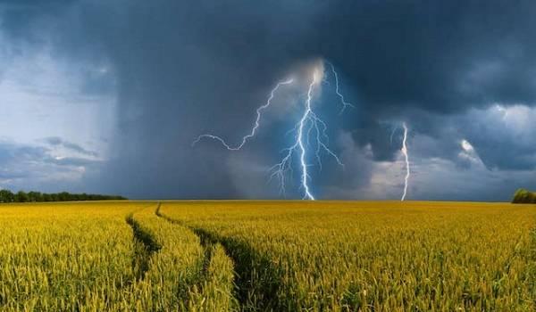 Украина окажется во власти гроз: где больше всего ударит непогода