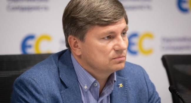 Нынешняя власть строит в Украине кремлевскую модель, с автозаками и избиением активистов - Герасимов