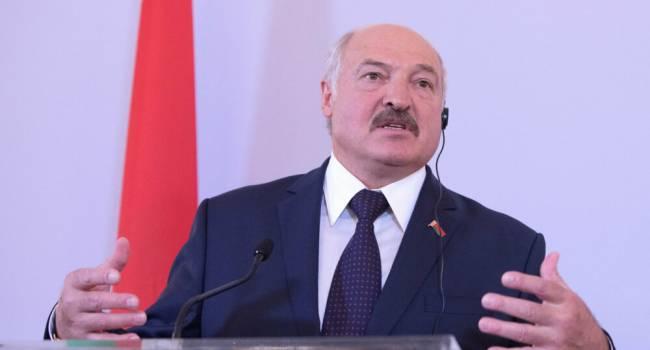 «На двух стульях уже не усидит»: политолог объяснил, почему Лукашенко откажется от политики многовекторности