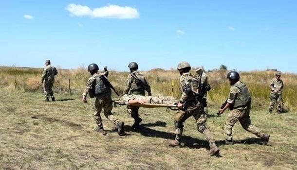 «На Донбассе произошла трагедия»: На неизвестном взрывном устройстве подорвались украинские военные