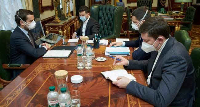 Касьянов: трудный выбор для «молодых лиц» – ужесточить карантин – народ пошлет. Закрыть глаза на эпидемию – снесут