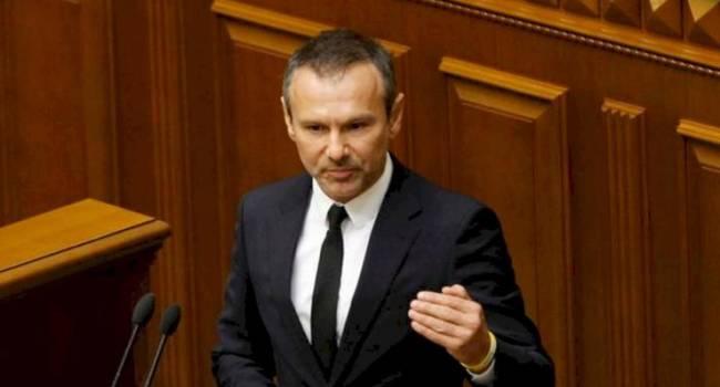 Дипломат: хотелось бы, чтобы пример с Вакарчука взяли лидеры «Слуги народа», вместе с Владимиром Зеленским