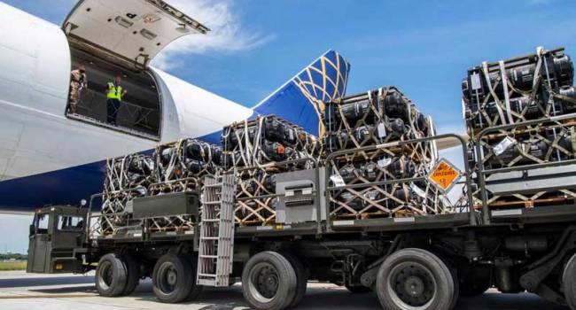 «Укомплектованы и готовы к отправке»: Ракеты Javelin скоро прибудут в Украину