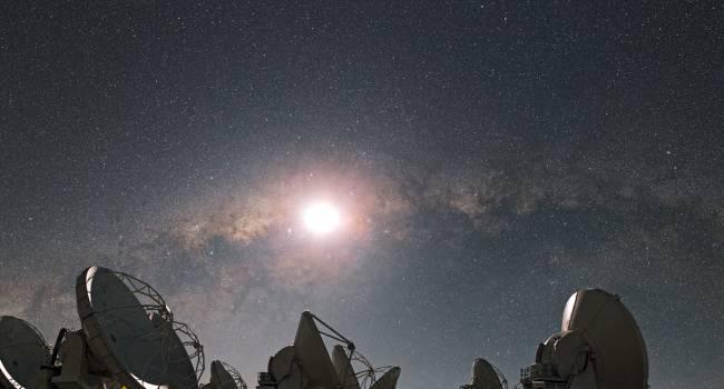 Неизвестный источник: астрономы зафиксировали периодические сигналы из космоса