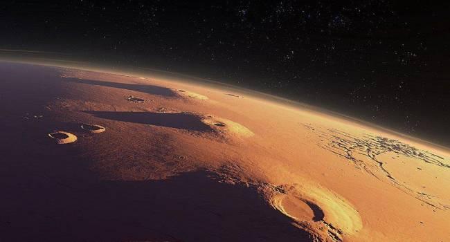 «Отправить большую команду»: ученый рассчитал, сколько людей смогут колонизировать Марс