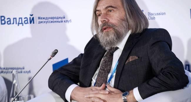 «Власть потеряет способность выполнять свои функции»: политолог назвал причины распада Украины