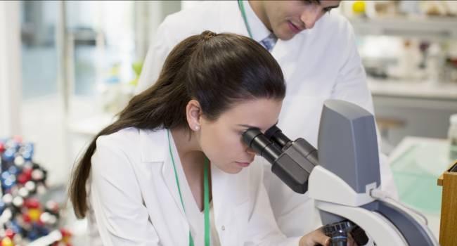 «Это качество им несвойственно»: эксперты рассказали, почему женщины редко становятся учеными