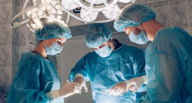 Ученые создали пластырь для склеивания внутренних органов
