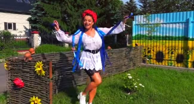 Наташа Королева представила клип на украиноязычную песню, сняв в клипе простого парня с Чернивцов