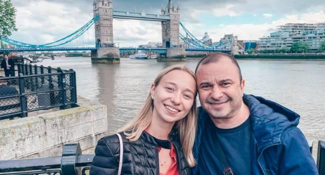 «Он его моет, он его носит на себе»: молодая жена Виктора Павлика высказалась относительно его отношений с больным сыном