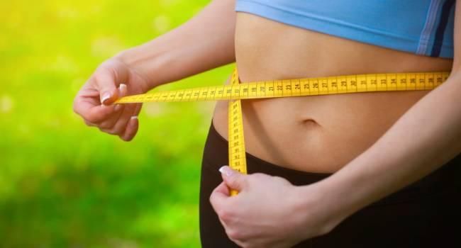 «Обязательно вырастет живот»: диетологи назвали самые опасные для талии продукты