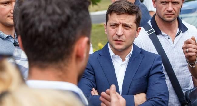 Политолог: губернаторы Зеленского – временщики, их задача – выжать все соки из области и по-быстрому слинять