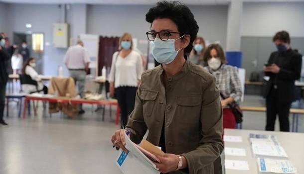 Политсила Макрона потерпела поражение на местных выборах во Франции