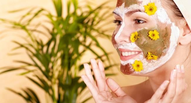 Косметологи назвали продукты, из которых нельзя делать маски для лица