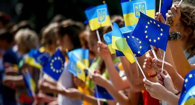 Стало известно, кому из украинцев открыт въезд в Евросоюз
