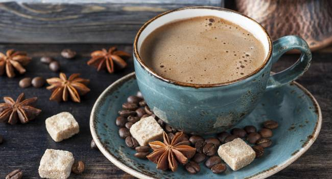 Ученые утверждают, что кофе помогает защитить печень при чрезмерном употреблении алкоголя