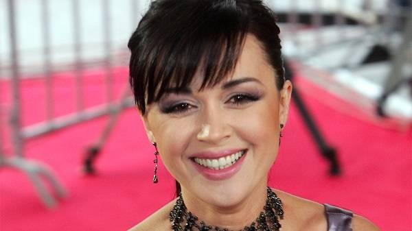 СМИ озвучили огромную сумму лечения актрисы Анастасии Заворотнюк