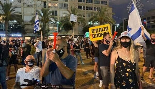 В Израиле протесты противников карантина завершились применением водометов для разгона митингующих