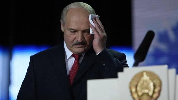 «Люди устали бояться»: эксперт рассказал о проблемах Лукашенко перед выборами