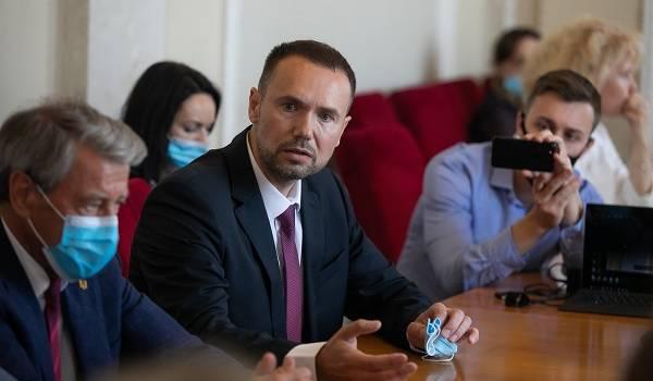 Украинские ученые призвали Зеленского не назначать плагиатора Шкарлета, а также оказать влияние ан СБУ
